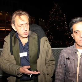 """Marcel van Roosmalen (NRC): - """"Roken met een ongedocumenteerde"""" Lees zijn column→ (11-12-14) en - """"Officieel ongewenst verklaard"""" Lees zijn column→ (13-12-14) Eva Hoeke (Parool): - """"Voor heel even een mens zich gewenst laten voelen"""" Lees haar column→ (21-12-14)"""